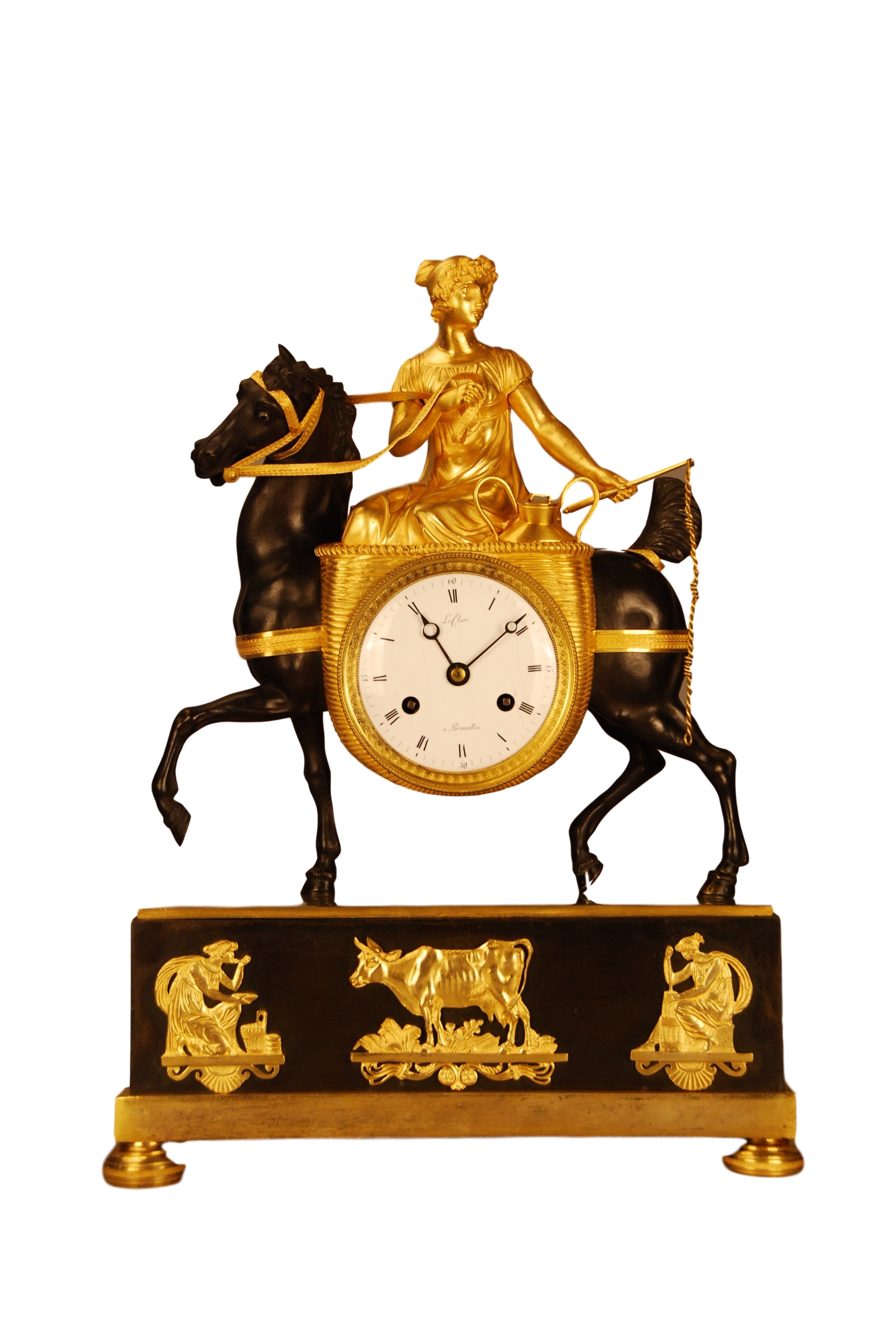 French Empire mantel clock 'La laitiere', ca. 1820. Signature: Le Clerc a Bruxelles